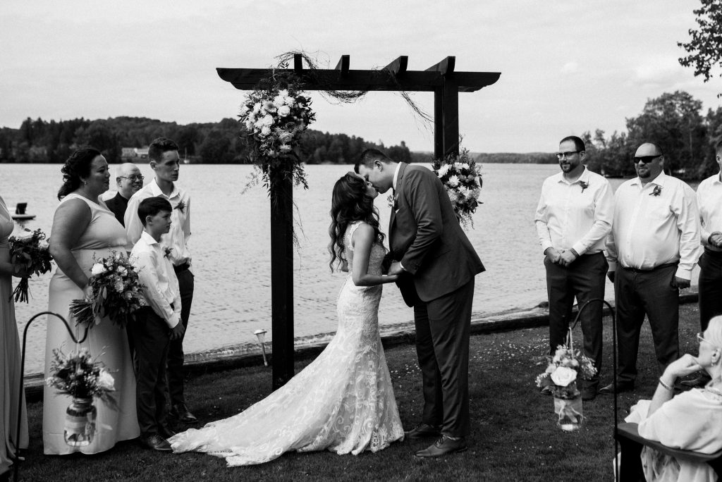 Bonnieview Inn Wedding - first kiss as newlyweds
